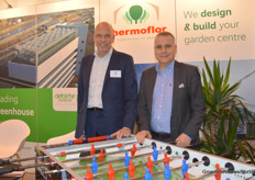 Ben Boon with Thermoflor and Steven Deforche with Deforche Construct working hard on building garden centers and expanding their high tech knowledge about specialist research and demo greenhouses from Belgian to the Netherlands and further.