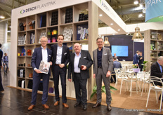 The team of Desch Plantpak. Kees Waque (on the left) is holding the new Color Your Story autumn/winter 2020-2021 magazine which they promoted at the show on top of their broad assortment of pots, trays and containers which keeps on growing. Many of the lines are expanded with new colors.