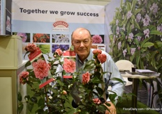 Anthony Tesselaar of Camellia Volunteer. A winter hardy variety and according to Anthony, people say that it is the best known camelia in the world.
