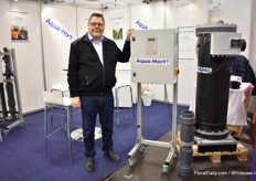 Aksel de Lasson of Aqua Hort presenting one of their new machines - the Aqua Hort Tank Model. It does copper ionization against fungus and bacteria.