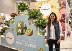 Daniela Navarro of Selecta one the cut flower part of the Selectra one booth. Kiwi is large promoted, this variety is growing in demand year-on-year.