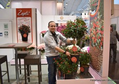 Matthias Meilland of Meilland holding Zepeti, a variety that they introduced last year at the FlowerTrials 2019. In 2020 for Spring, 250,000 will come out for Europe.