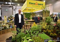 Thomas Büter of Floragard. At this year's show, they focused on showing the different kind of substrate recipes they have Showing them all was not possible, as they have about 4,000 different recopies. The emphasis is on the use of less peat in the substrate mixes as by 2030, the use of peat needs to be reduced significantly for the professional growers. So every year, the use of peat should go down step by step. For this reason, Floragard offers mixes in which growers can choose the percentage of peat in it.