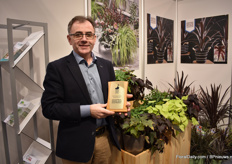 Pat FitzGerald with the price they won at the TPIE, the week before the IPM Essen, in the USA.