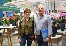 Loes Beelen and Piet Segers of IAA Fresh were also visiting the show. They are standing in front of the Orchids of Anthura.