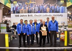 The team of Brill Substrate. Next to presenting one of their new substrate solutions, like the peat free substrate for the hobby market that is being presented in the picture, the company also celebrates it 100th anniversary this year.