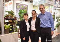 Reat Haza, Maya Avni and Eyal Inbar of Histhtil next to the Sweet potato varieteis in the series Treasure island. These potatoes are varieties of Pat FitzGerarld, from Ireland, and have besides their edible value also ornamental value.