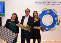 Joyce Langeslag, Kees van Beek and Lisa Koningsveld of Modiform. Joyce is holding the new growing tray for vertical farming, Kees the Eco Expert and Lisa the new recyclable injection moulding pot.