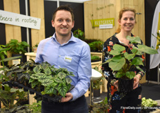 Martijn Wolmerstett and Debbie Elstgeest from Elstgeest Youngplants. Martijn holds the Alocasia Dragon Scale and Debbie their Homalamena Maggy.