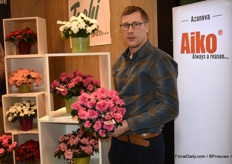 Kristof van Laere of Azanova with the Aiko Intense Rose.