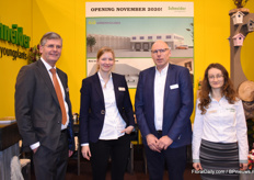 The Schneider Younplants booth was manned by Rozemieke Schneider, Evert-Jan Luijtjes, Anton Hooijmeijer and Zsófiá Gebel Simo, among others.
