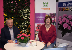 Arco van de Hout and Jolanda Nieuwenhuijze of Valstar. This year at the fair the concept Lots of Roses by De Ruiter Innovations and Da Vinci pot Chrysanthemum by Floritec were highlighted.