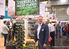 Erik de Boer of Evergreen Rocky Plants with his assortment of rock plants.