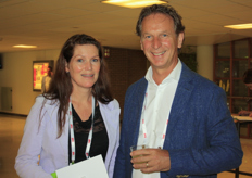 Karin van der Eijk (VDE Plant) and Ton van Mill (Royal Brinkman)